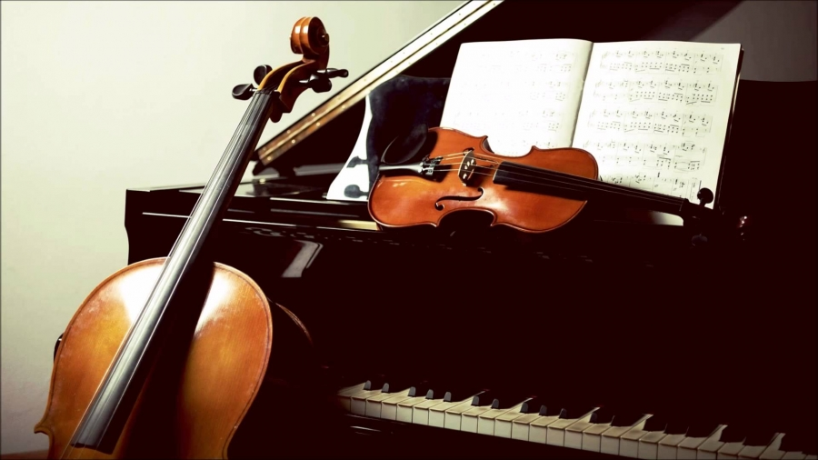 Pianotrio : mysterieus, melancholiek, sprankelend en meeslepend